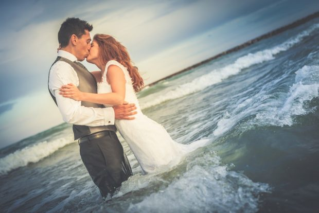 Fotógrafo boda valencia NOVIOS EN LA PLAYA