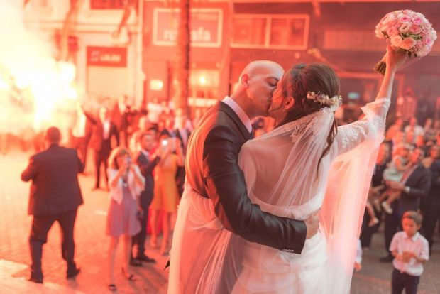 Fotógrafo boda valencia NOVIOS BENGALA FUTBOL